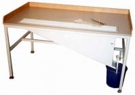 Stůl na konečkování