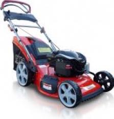 motorové sekačky a traktory