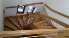 samonosné schodiště masiv DUB