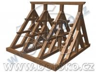 Klasická dubová zvonová stolice pro tři zvony a umíráček