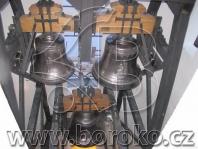 Ocelová kombinovaná stolice v římskokatolickém kostele ve Ferčekovcích