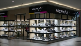 Vybavení prodejen v obchodních centrech