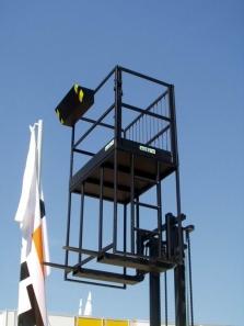 Montážna plošina na nosné vidlice VZV