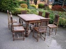 Stůl neorenesanční + 8 kusů židlí