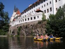Slnečný splav rieky Vltava