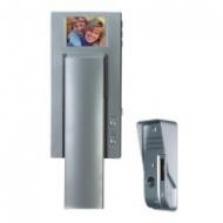 Dveřní telefon s barevným displejem