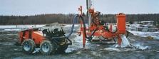 Vrtací stroje pro těžbu bloků
