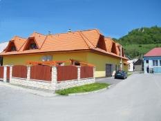 Chata Blava    www.ubytovanienaorave.sk
