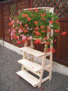 Květinový regál dřevěný KRD-01