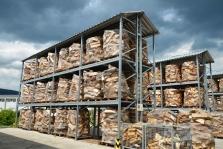 sklad palivového dřeva