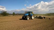 Zemědělské služby - Setí kukuřice a slunečnice