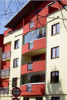 Zasklívání lodžií a balkonů