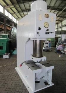 Tvářecí stroje - CEE Machines s.r.o.
