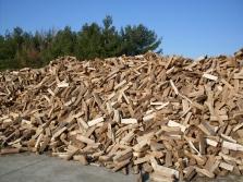 Štípané dřevo