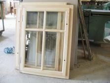 Okno dřevěné pro roubené chalupy