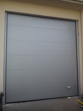 Sekční garážová vrata privátní