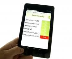 Aplikácia HostMonitor spustená na tablete.