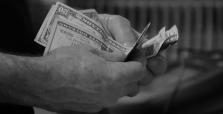 Neviete splácať úver, máte nevýhodný úver? Oklamali vás šmejdi? ...zmluvy pod nátlakom?