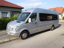 Osobná doprava pre väčšie skupiny mikrobusmi či autobusmi