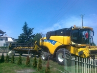 Obilný kombajn New Holland CX 820