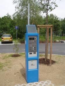Parkovací automat 2002 se solárním panelem