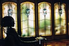 Vitráže skládané do olova, doplněné malbou. Využití jako posuvné dveře - dělící stěna mezi obývákem a zimní zahradou.