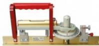 Speciální měřící přístroj pro koleje