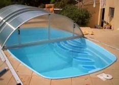 Sklolaminátový bazén se zastřešením