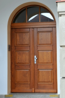 dveře out